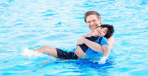 ฝึกทักษะการเอาตัวรอดทางน้ำเด็กพิเศษ